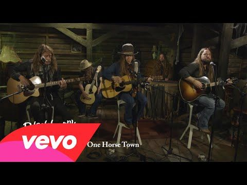 blackberry smoke one horse town acoustic live at google youtube music videos i like. Black Bedroom Furniture Sets. Home Design Ideas