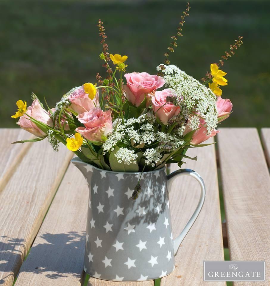 Vintage Shabby Chic Cottage Taupe Dusky Pink Roses Large Flowers Tin Jug Vase