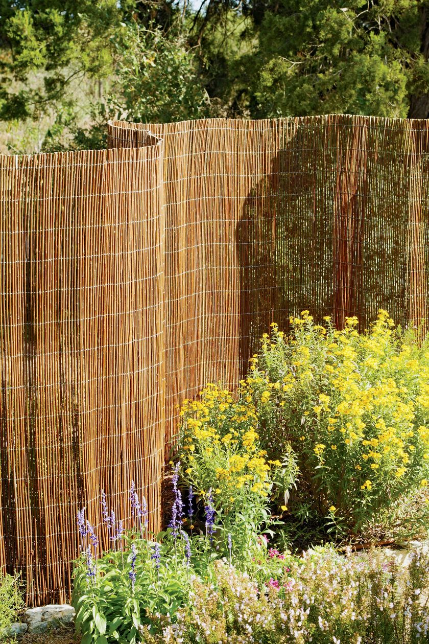 The wicker fence is very inexpensive and very simple to put up because all you need to do is unravel it. You buy the fence in rolls and then you can easily install it with just a few stakes and some wire.