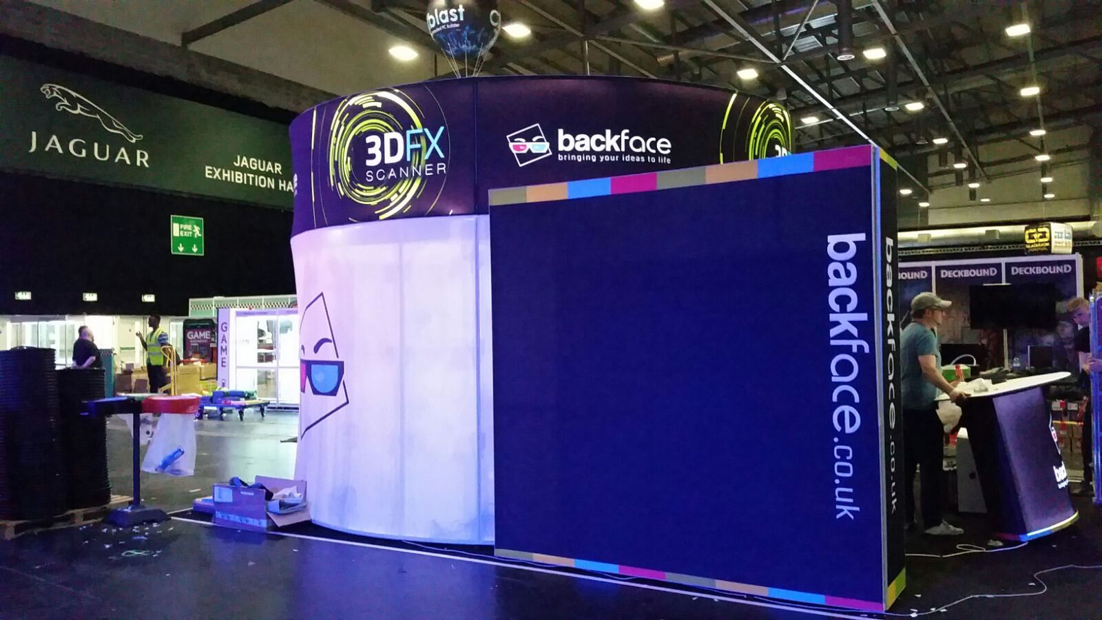 Portable Exhibition Lighting : Custom tension fabric covered trade show exhibit with internal