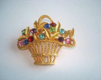 Signé Monet bijoux Vintage fleur panier multicolore strass couleur or broche