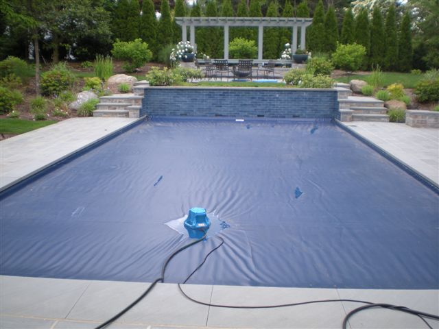 Pool Cover Pump An Essential Item For Winterizing And Protecting