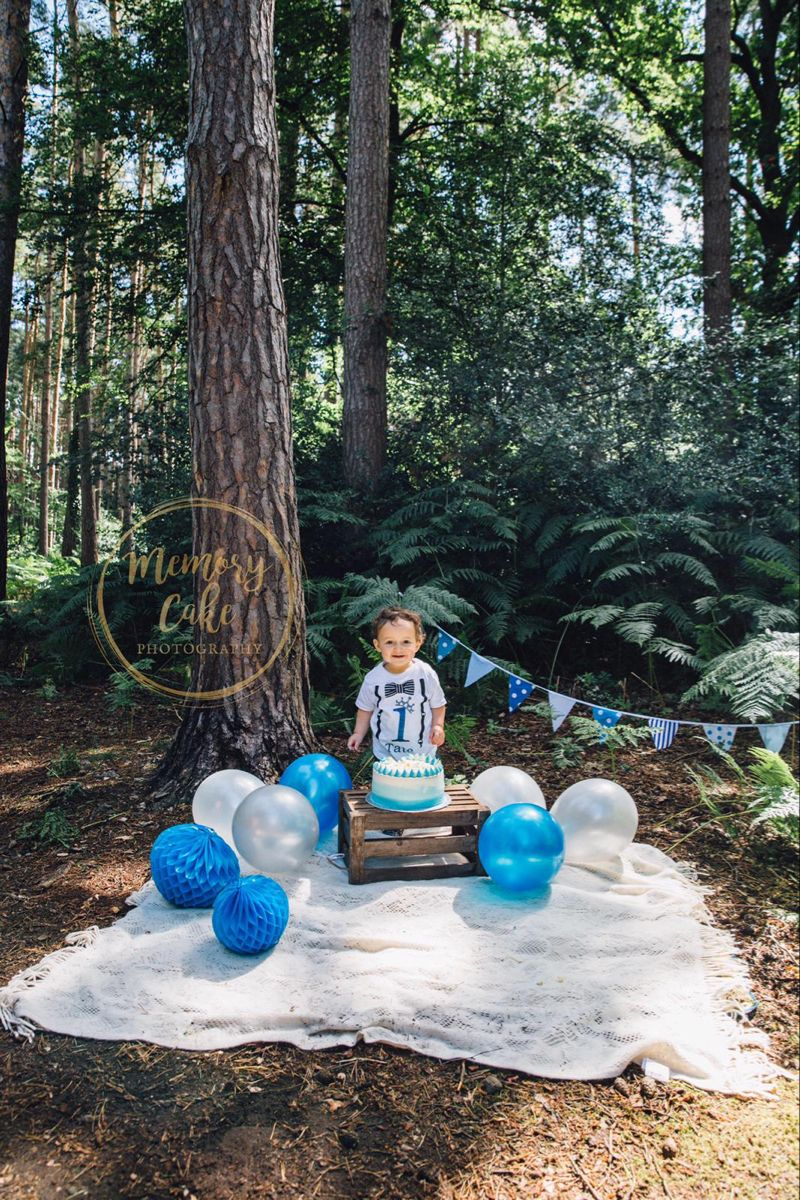 Cake smash is back on! Book with Kelly our Staines #photographerslife
