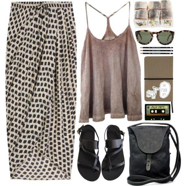 Photo of Designer Tøj, sko & tasker til kvinder | SSENSE
