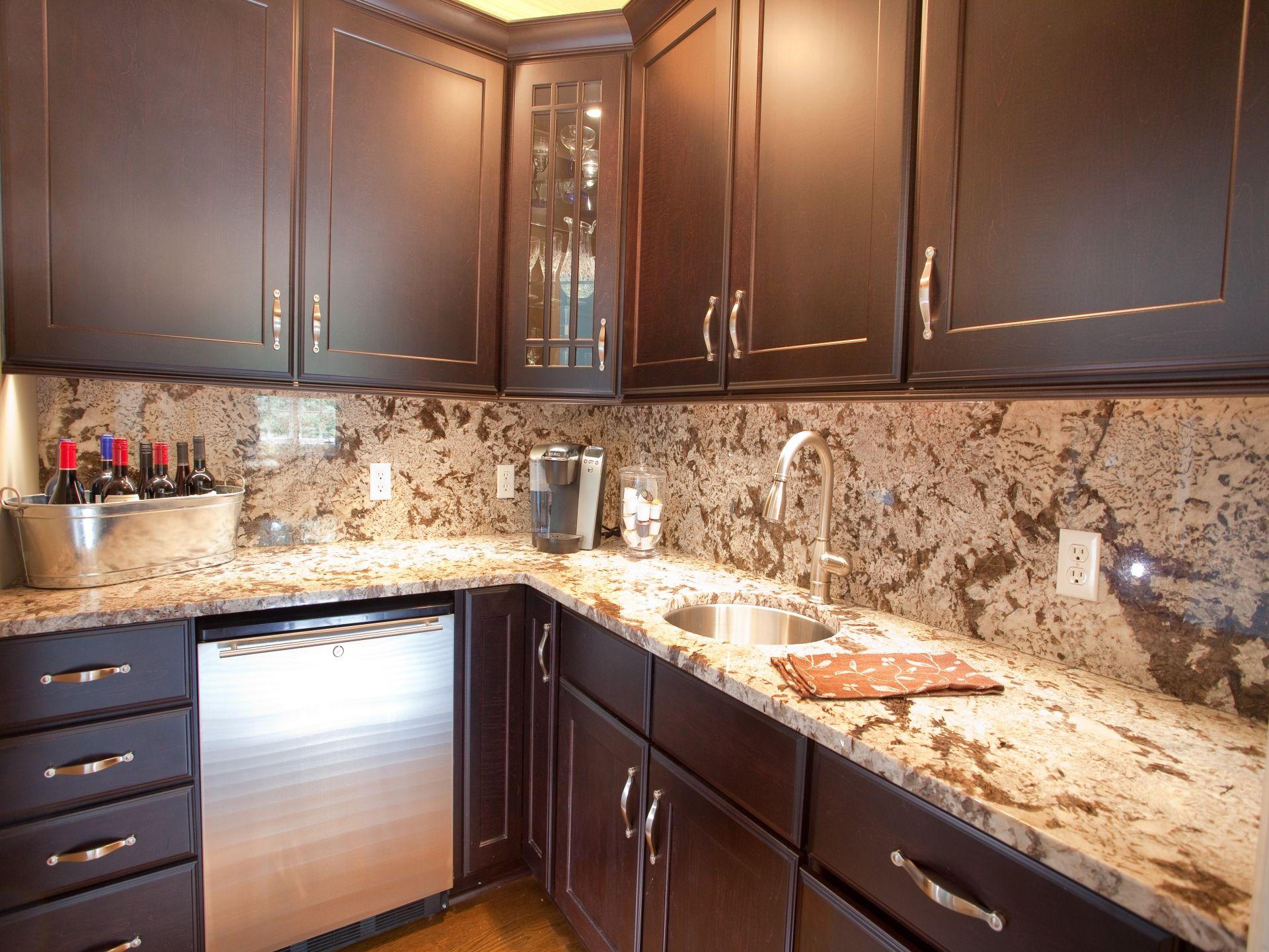 Mesmerizing Corian Vs Granite For Kitchen Decoration Ideas Amazing Unique Sha Cost Of Kitchen Countertops Best Kitchen Countertops Granite Countertops Kitchen