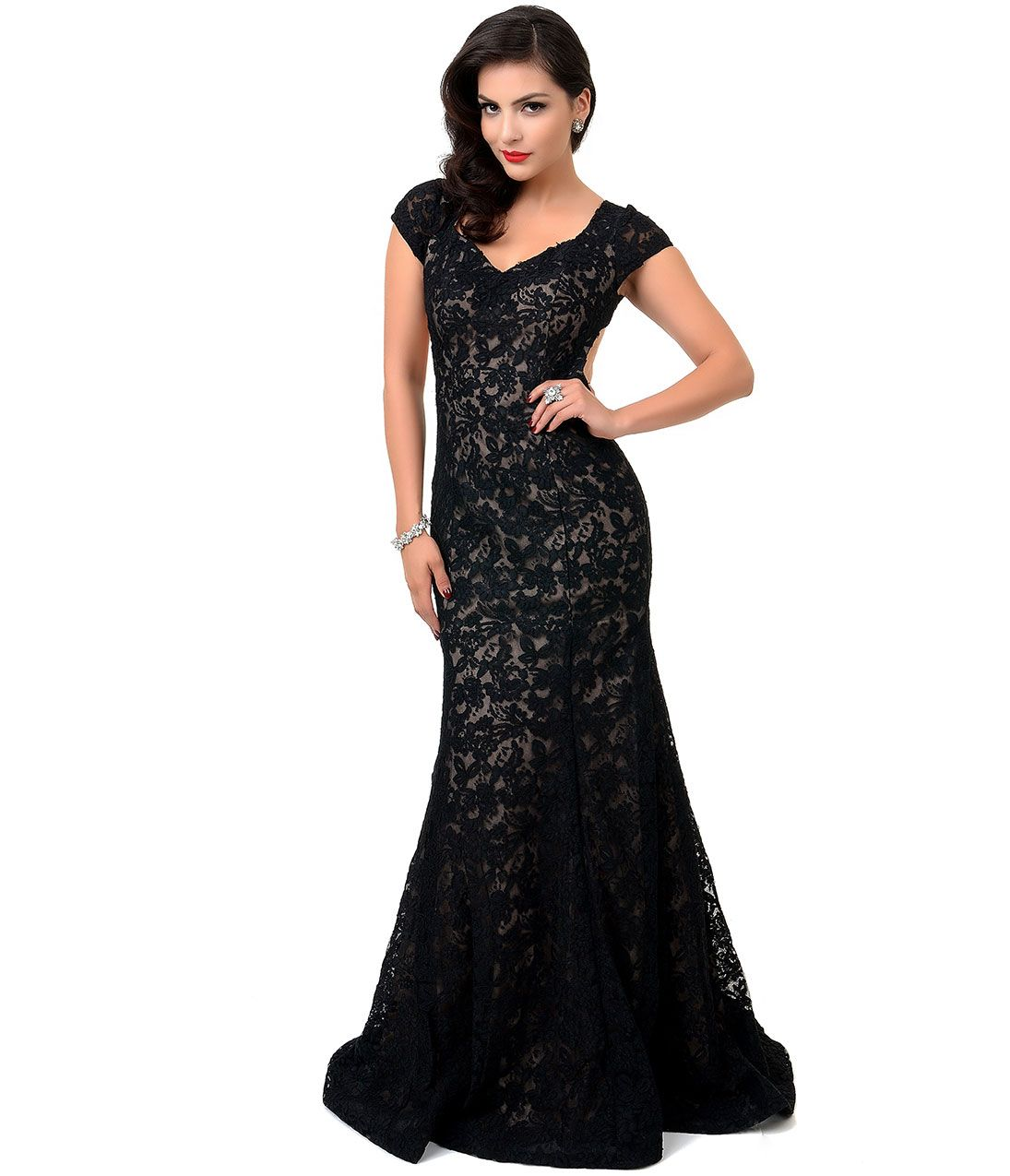 S style black u nude scalloped lace fitted evening gown unique