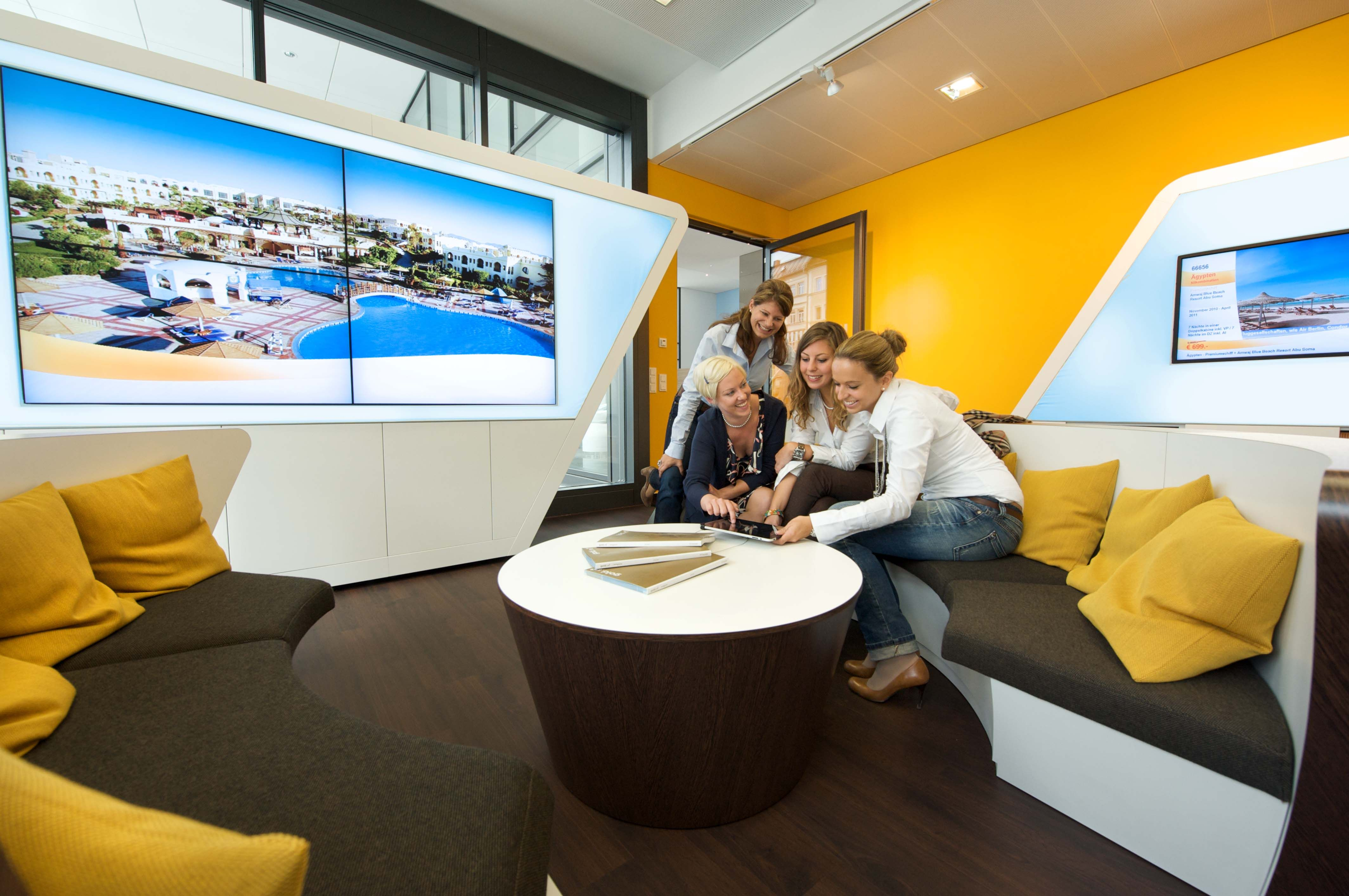 It was the first travel agents in germany to be equipped for Space design agency