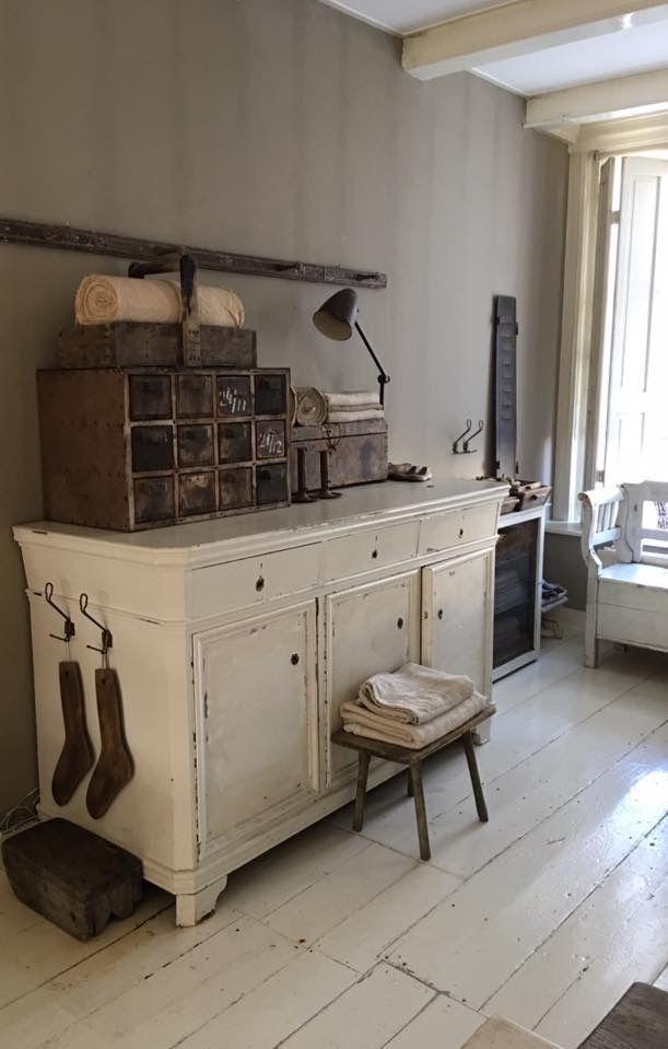 Best White And Wood Simple Farmhouse Style Simplefarmhouse 400 x 300