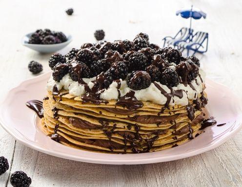 Brombeer-Palatschinken-Torte