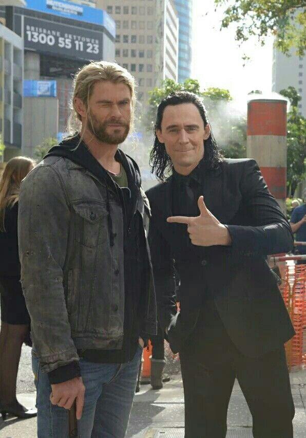 #ChrisHemsworth #TomHiddleston #Thor #Loki #Marvel
