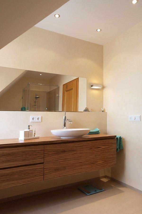 Badezimmer Ohne Fliesen Mit Glatter Mineralischer Wand