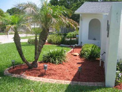Red Mulch Front Yard Google Search Bahce