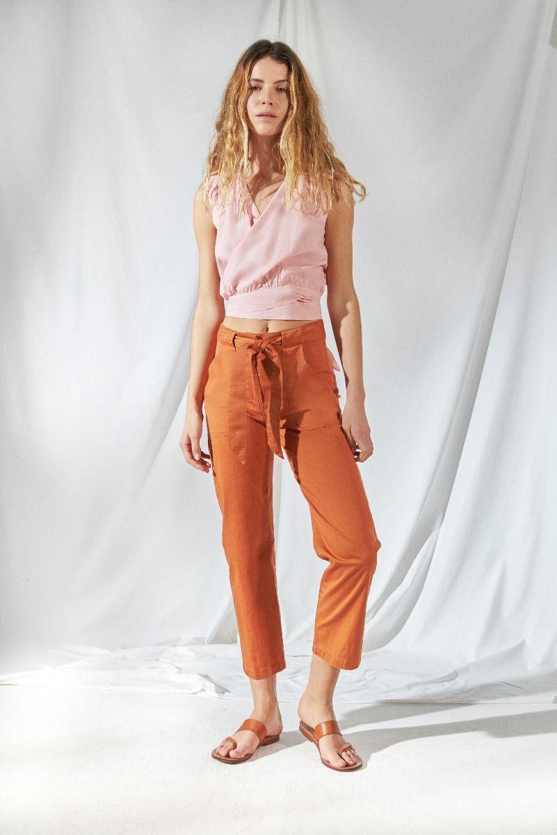 Moda Urbana En Ropa De Mujer 2021 La Primavera Verano 2021 By Delucca Pantalones De Moda Mujer Moda Ropa De Mujer