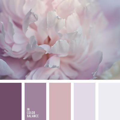 Schöne Purpur würde in einem kleinen Mädchenzimmer großartig aussehen, wie es ist, oder in einem weiblichen …   – Color combos