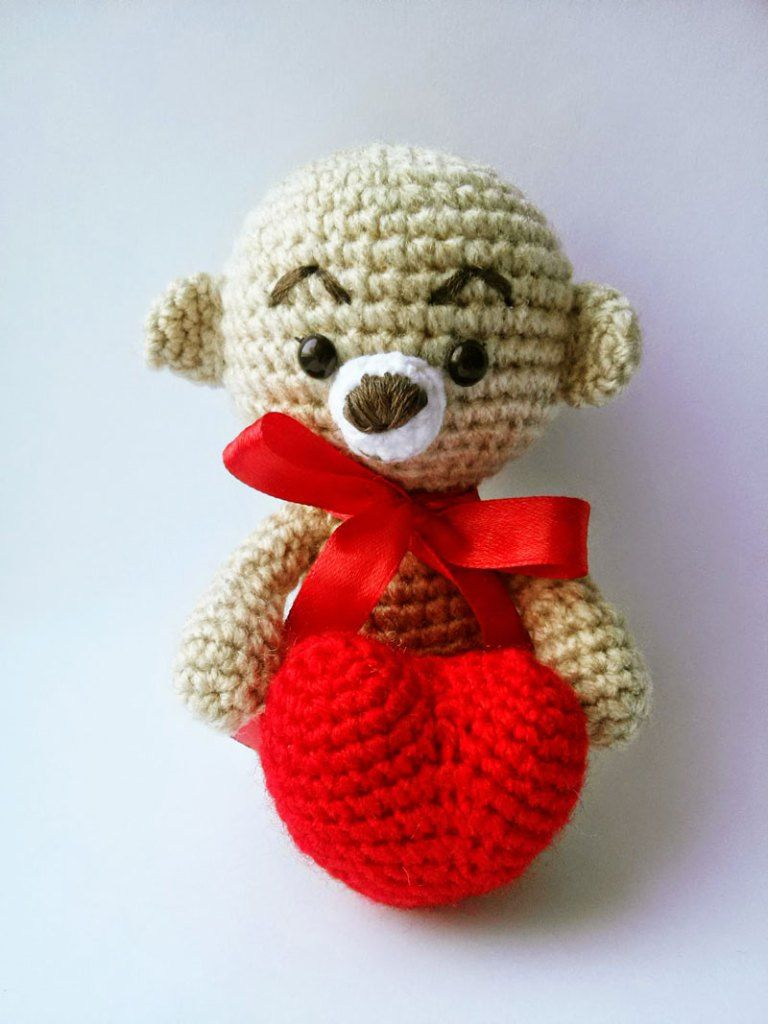 Amigurumi teddy bear with a heart | Pinterest | Amigurumi patterns ...