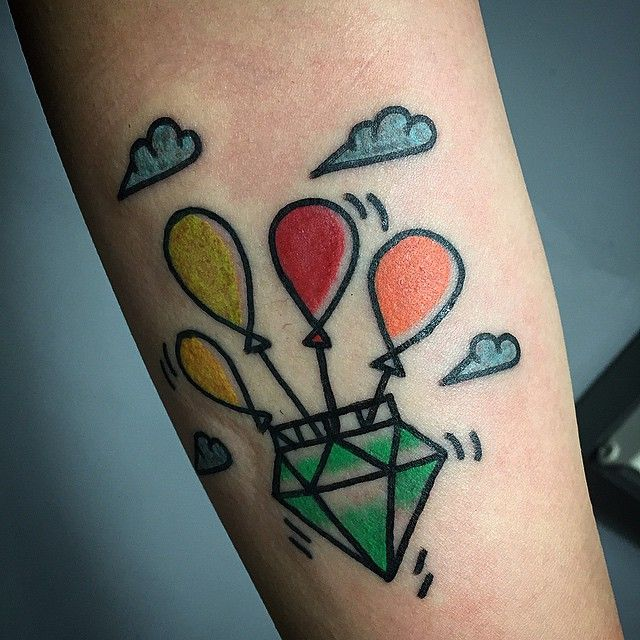 #oldschooltattoo #newschooltattoo #85tattoo #diamond #balloon #childlike…