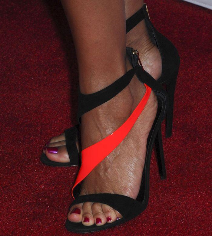 heels Sexy latina feet