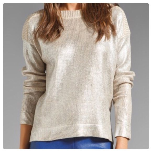 """♣️ C&C California foil coated boat neck sweater This is a perfect sweater for fall/winter. It is C&C California foil coated boat neck sweater. Long sleeve side medium. 100% cotton. Bust 42"""".  All items are from a clean, smoke free home  We ❤️ offers but will only be considered by using the """"OFFER"""" option  Trades  Modeling C&C California Sweaters Crew & Scoop Necks"""