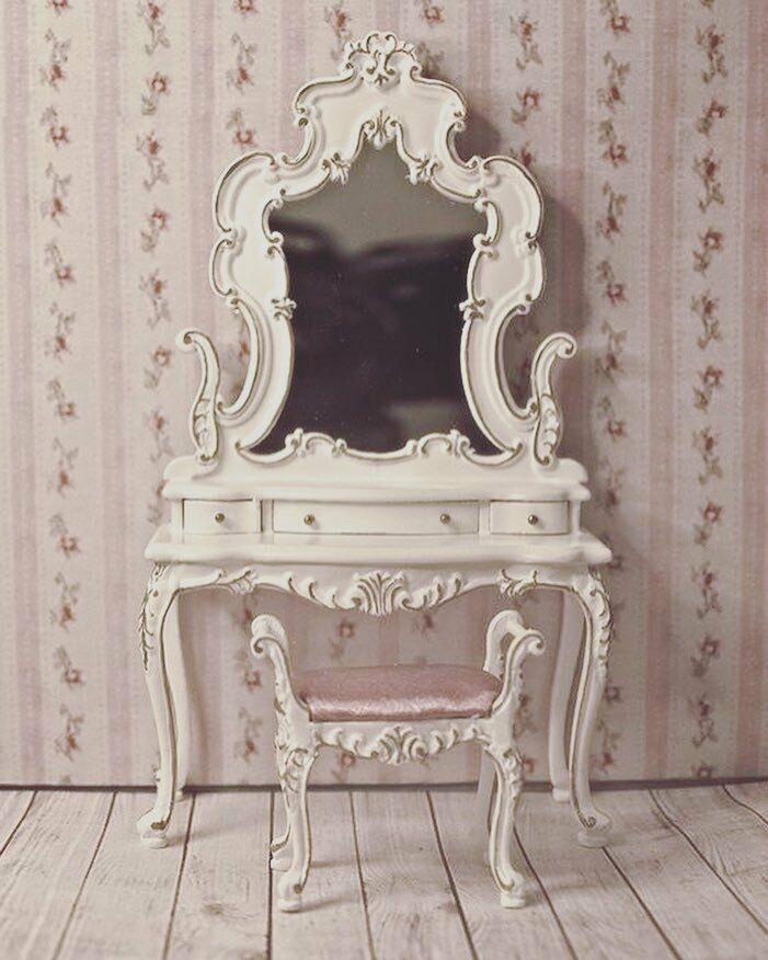 1:12 Scale Miniature Bourbon Bedroom Collection Dress