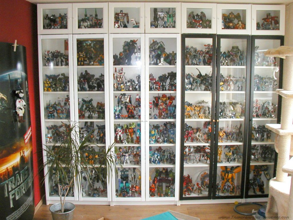 Pin By Kimberly Michels On Dioramas Displays Displaying Collections Toy Collection Display Transformers Decorations