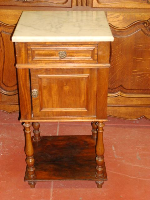 Best Antique Night Stands Antique Bed Stands Antique Bed Side 400 x 300