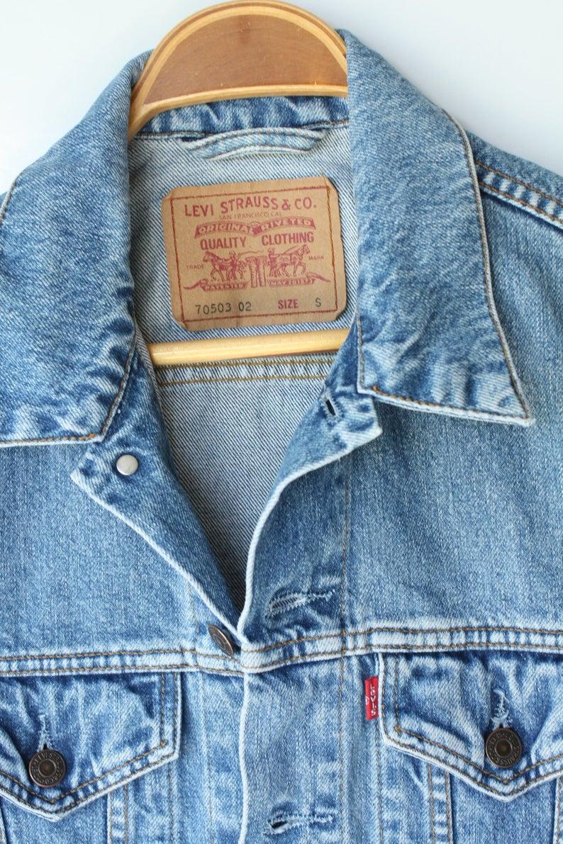 Vintage Levis Jacket S Small Jean Jacket 90s Grunge Unisex Etsy Vintage Levis Jacket Jean Jacket Denim Wash