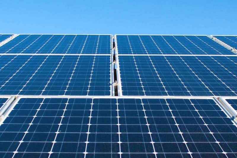 Solar Energy Is 70 Pollution Free Deciding To Go Environment Friendly By Changing Over To Solar Energy I Solar Panels For Home Solar Panels Best Solar Panels