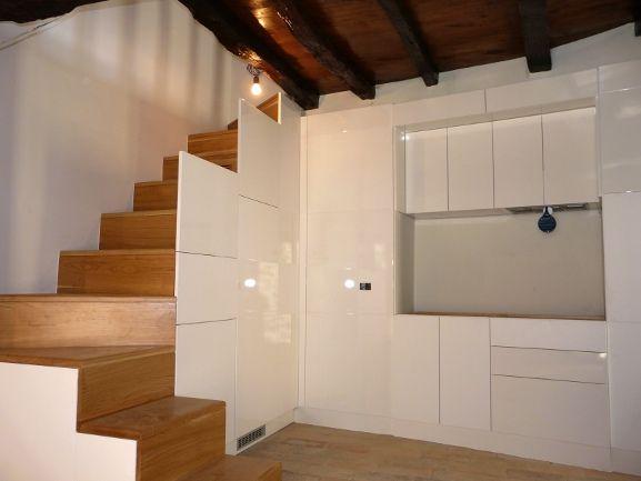 scala tra cucina e soggiorno - Cerca con Google | Scale | Pinterest ...