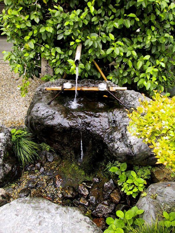 garten brunnen stein ideen bambus pumpe zen gefühl bamboo pond - brunnen garten stein