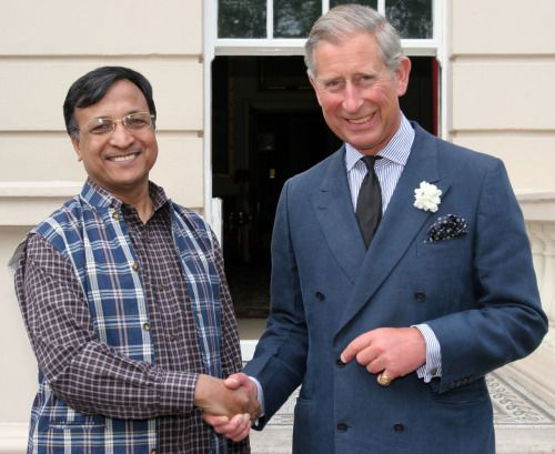 Prince Charles and the perfect double-breasted royal blue suit ...
