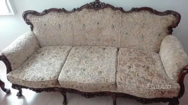 divano-e-due-poltrone-stile-barocco | antiques | Pinterest