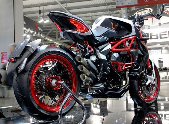 Lewis Hamilton Mv Augusta Custom Dragster Rr Lh44 Motorcycle 2015