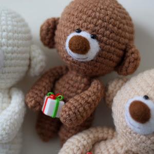 Crochet teddy bear FREE PATTERN - KNITTED STORY BEARS #crochetteddybears