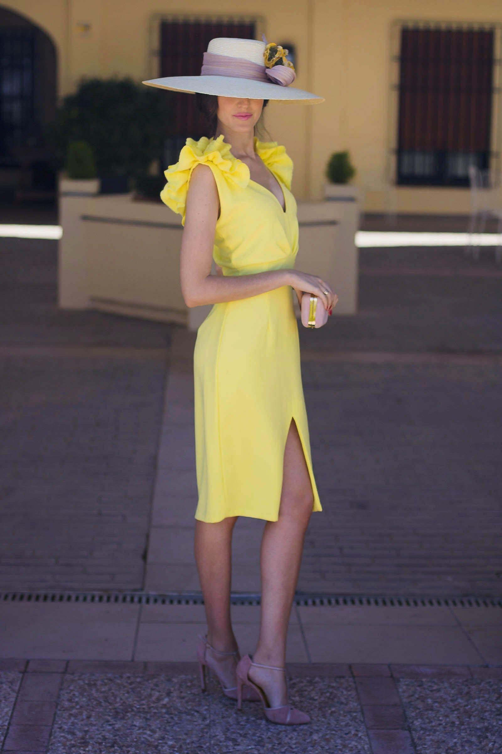 Vestido amarillo boda dia tocado   Proyectos que intentar   Pinterest