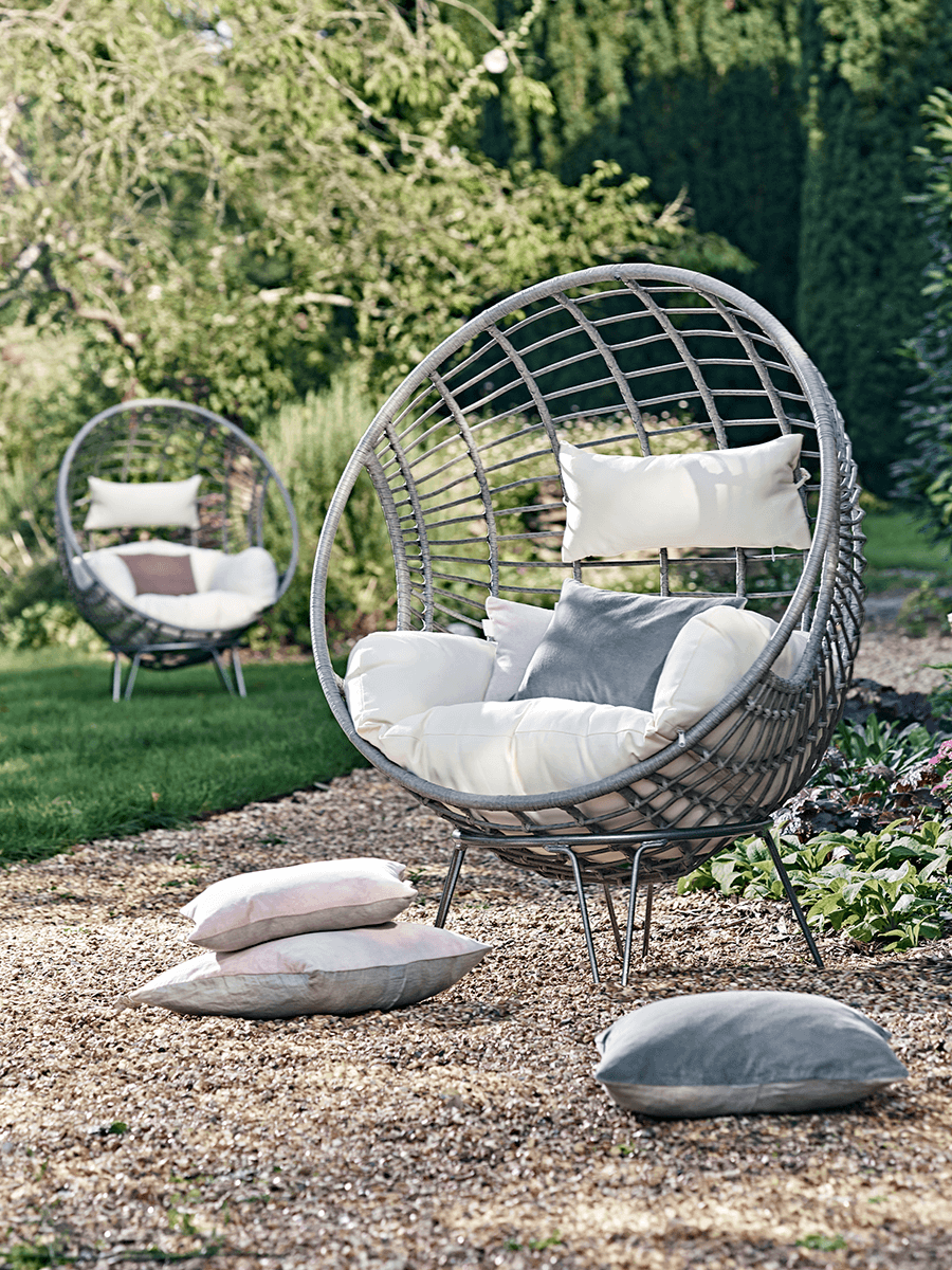 Hanging Chair Outdoor Indoor Outdoor Hanging Chair In 2019 Indoor Swing Chair Metal