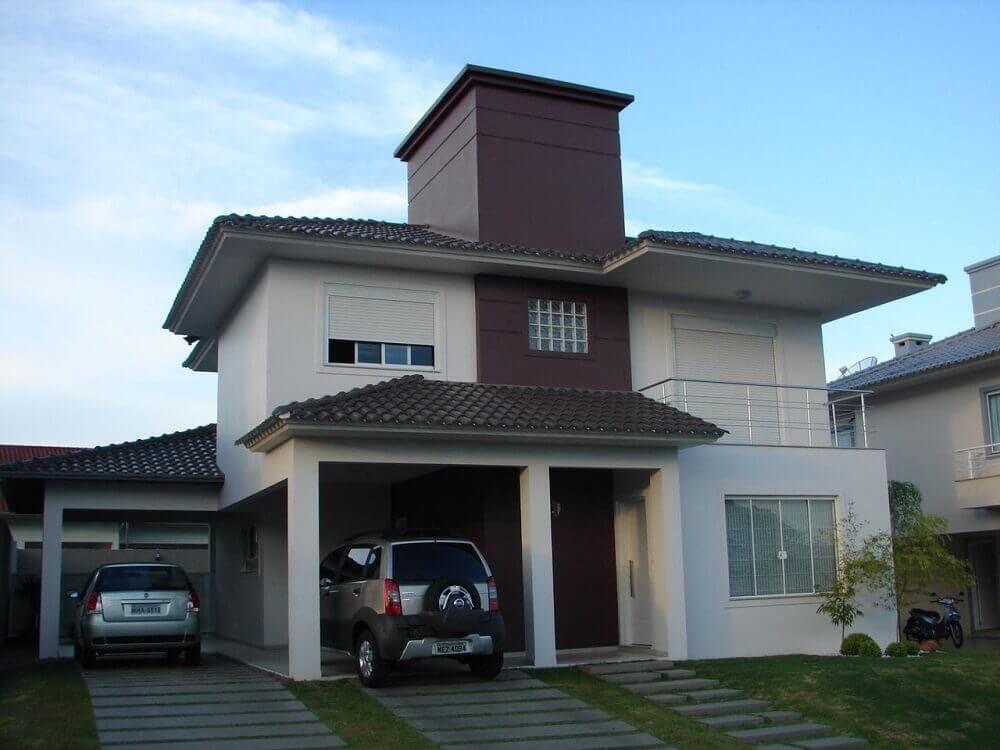 Casas pintadas de marrom por fora