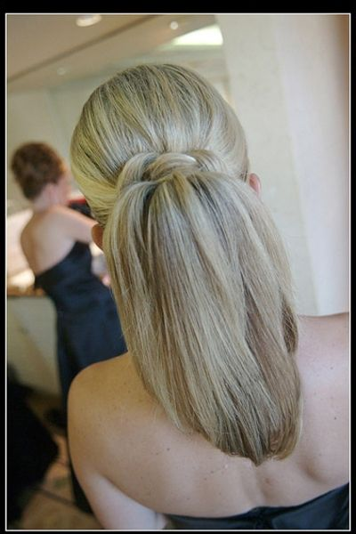 Cute and Simple Looking Twist around a Pony Tail