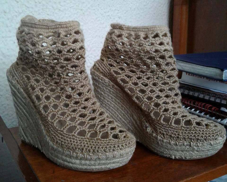 2116b1592 Zapato en crochet con suela reciclada Elaborado a Mano por Millis Tejidos Y  Mucho Más