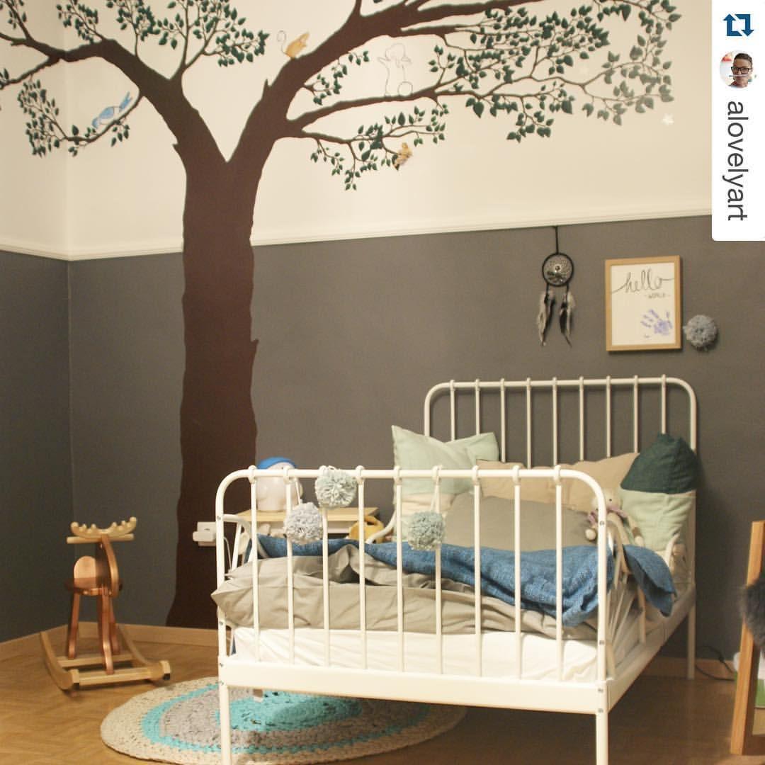 Wenn #Träume über sich hinaus wachsen, sind der #Fantasie keine Grenzen gesetzt! ✨ #IKEA #bedroom #ideas #MINNEN #EKORRE #sweetdreams #nightnight #Repost @alovelyart #IKEAat