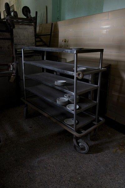 Dishes, Verden Psychiatric Hospital, USA