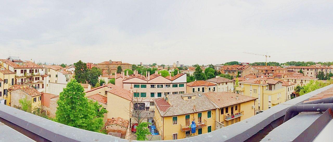 Panoramica dal balcone del nostro appartamento. Per info: http://www.pianetacasapadova.it/offerte.html, o 049/8766222.
