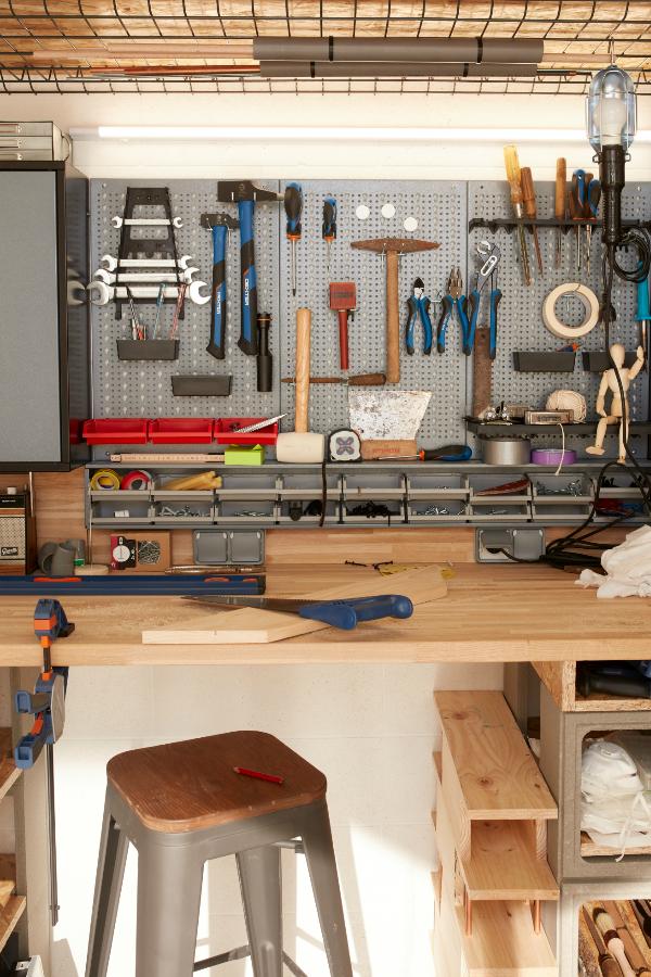 Bricoler Comme Un Pro Avec Un Atelier Diy Organisation De Garage Amenagement Garage Rangement