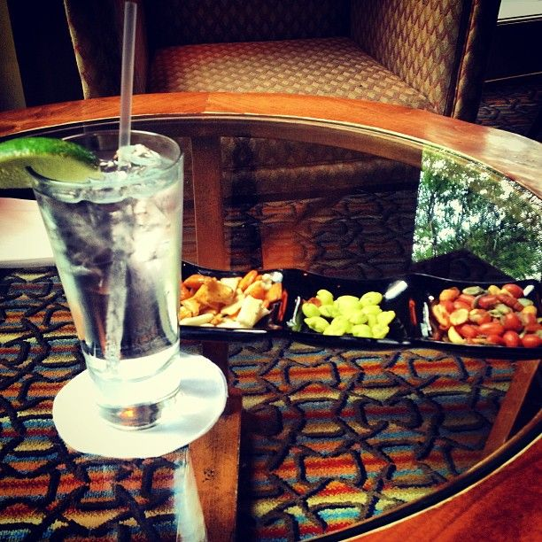 Awaiting dinner w/ friends in the Lobby Lounge at Four Seasons Hotel Austin (Instagram photo by elaine123abc)