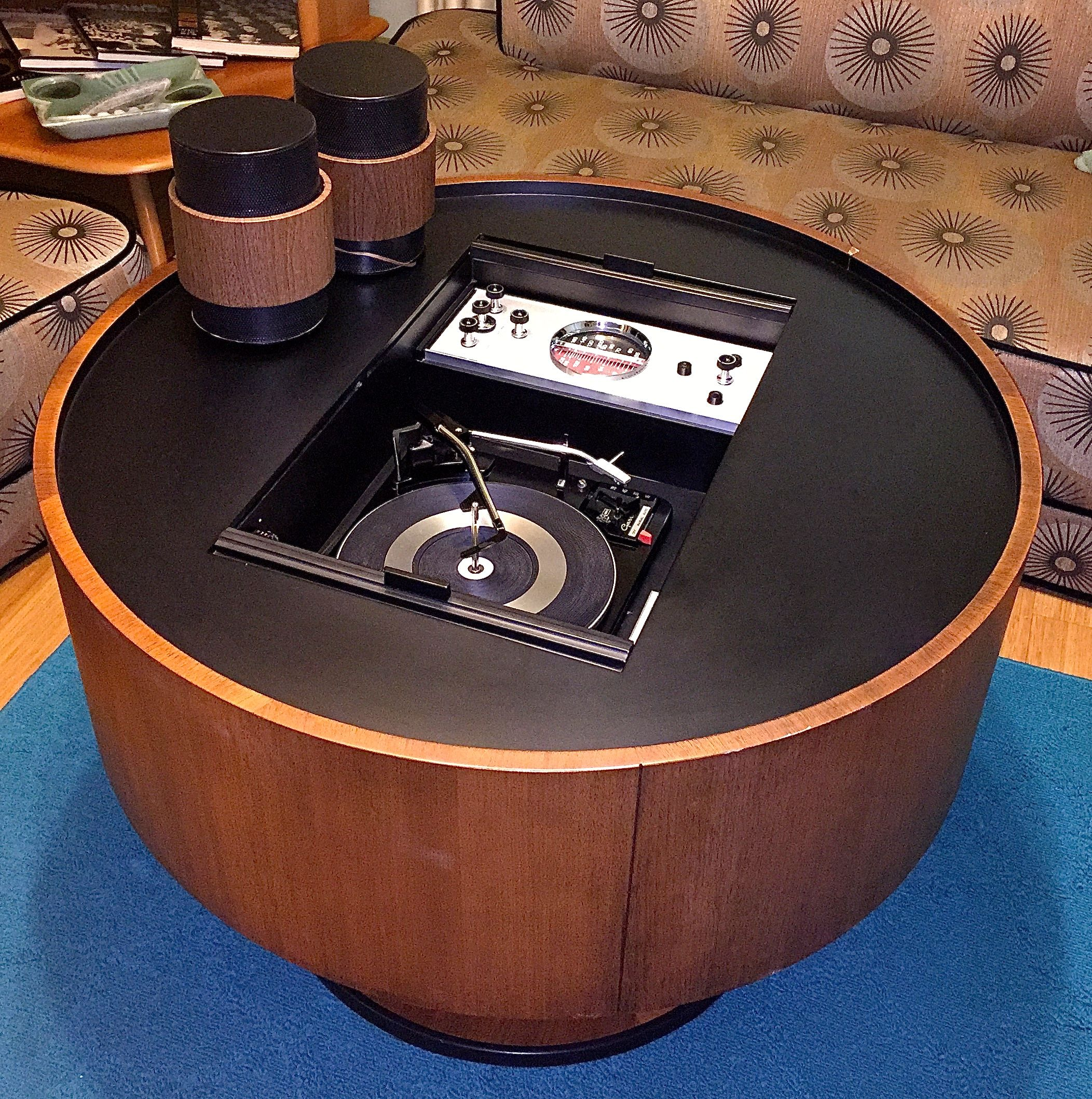 1965 Electrohome 'Circa 703′ Cabinet By Deilcraft Of