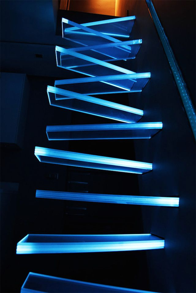 Best Illuminated Glass Staircase Treppe Ideen Treppe Haus 400 x 300