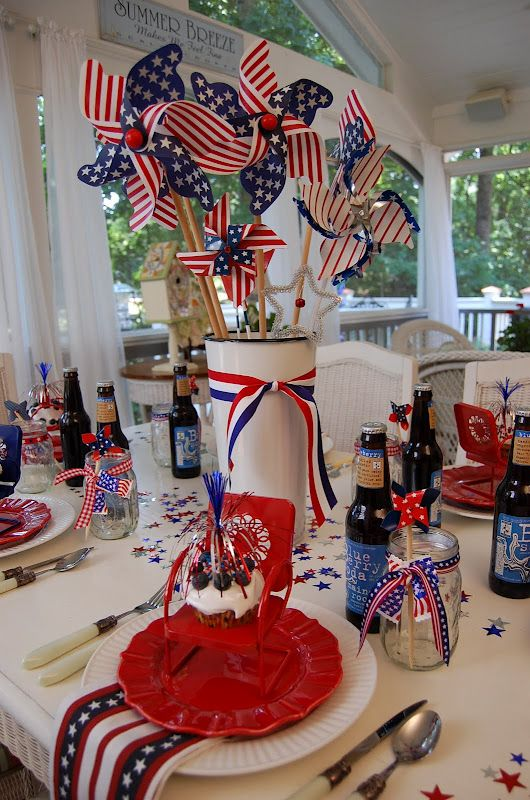 A Patriotic Celebration Table Setting With Images 4th Of July