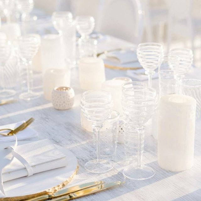 This Beautiful All #white #tablescape From #lidodelfaro #capri Overlooking  The Sea..#capriwedding #weddingdetails #sugokuiievents #beachreception ...