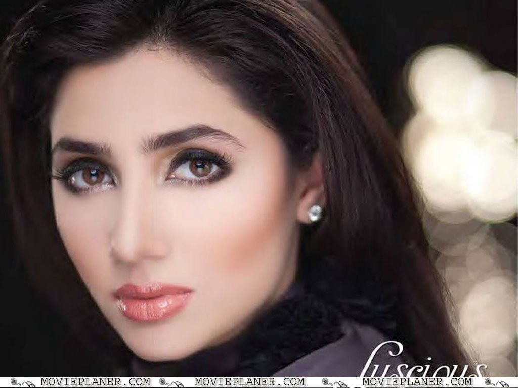 Mahira Khan HD Wallpaper 2012