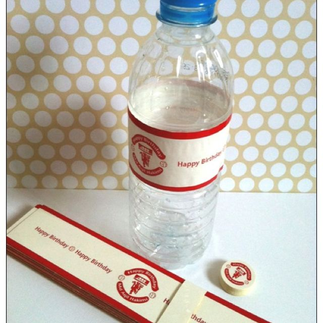 Manchester united mineral water bottle labels below is the manchester united logo personalised with your party message the labels set consists of a long
