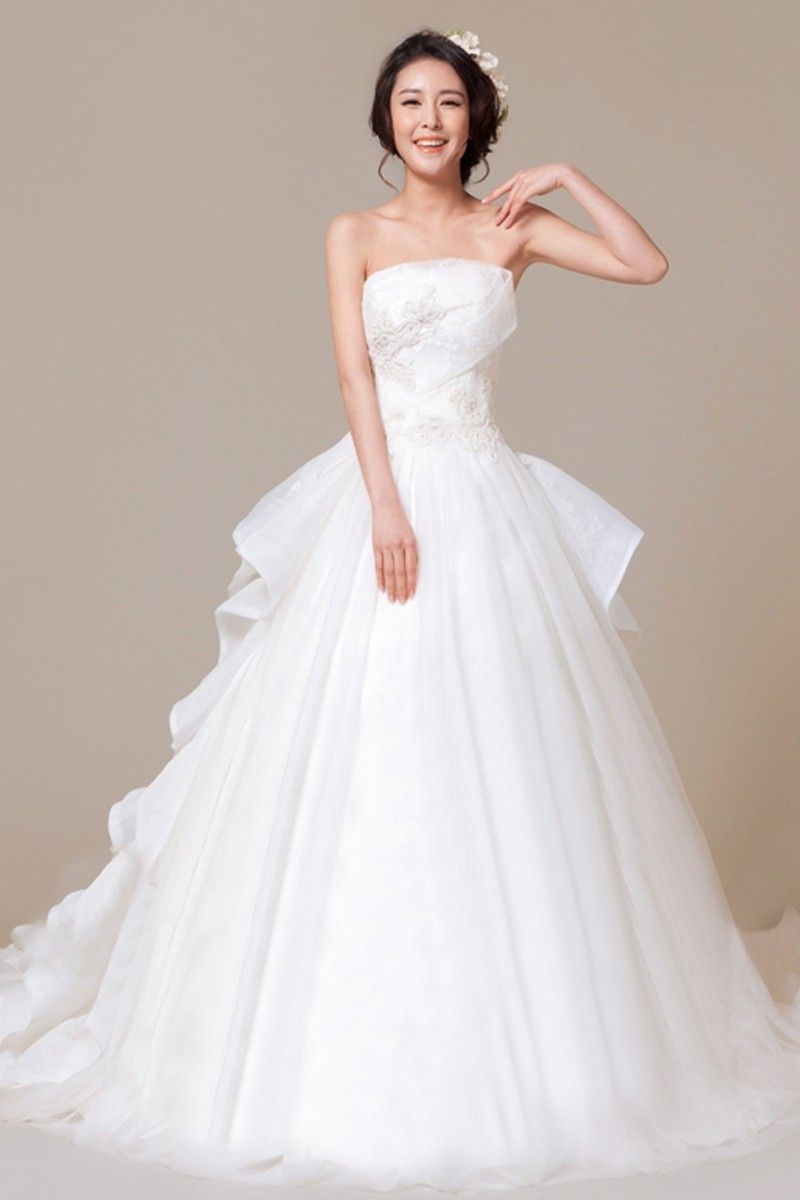 Ball Gown Strapless Sleeveless Appliques Lace-up Organza Natural Court Train Wedding Dress